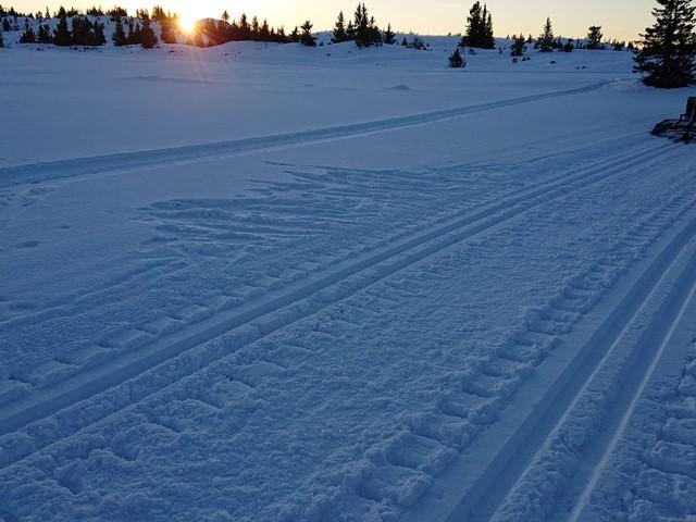 Harde løyper, og for lite snø til å kunne bruke fres...